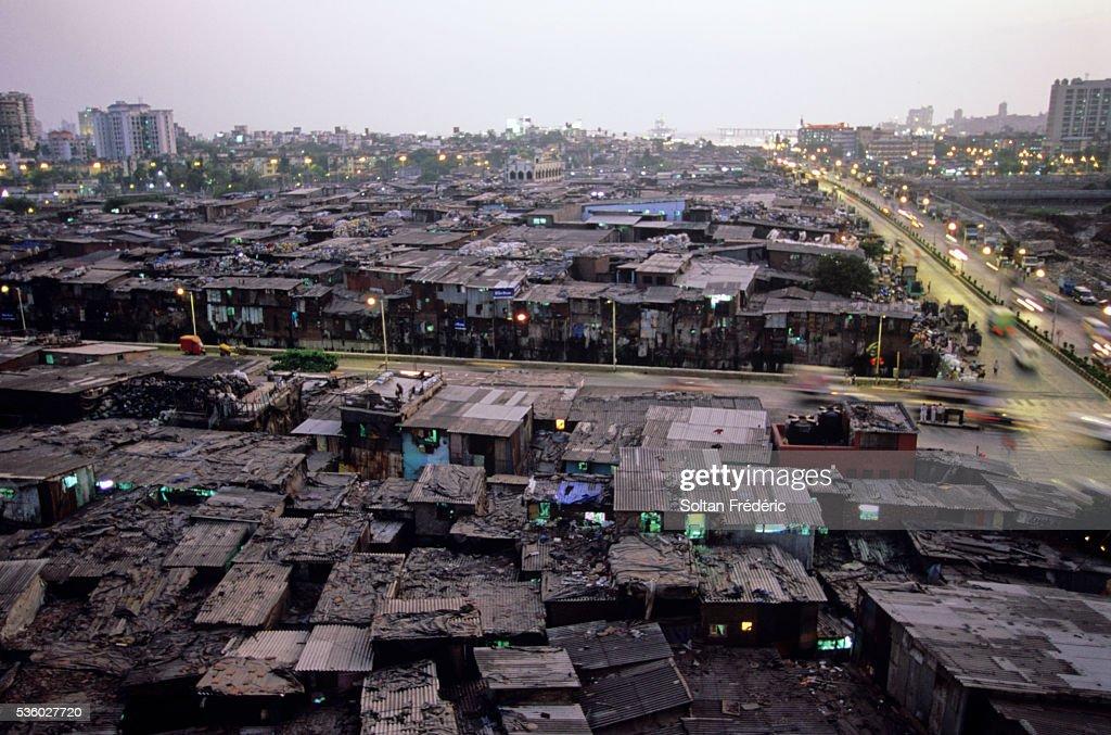 Dharavi Slum in Mumbai : ストックフォト