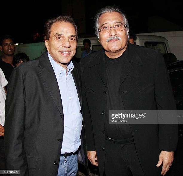 Dharmendra and Vinod Khanna at the premiere of the film Robot in Mumbai on October 4 2010
