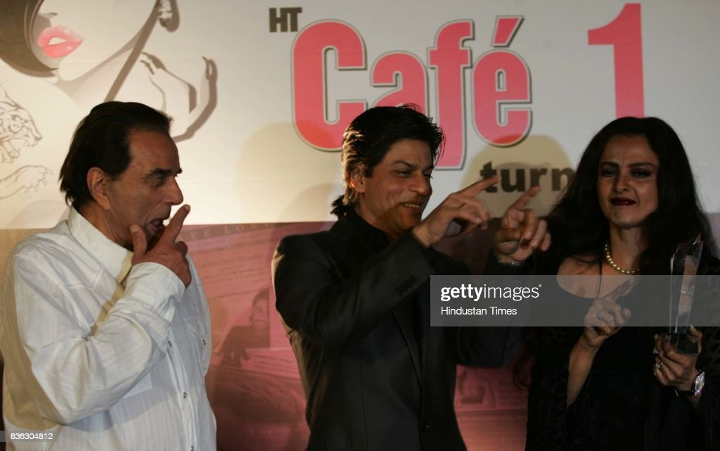 Dharmendra Shahrukh Khan and Rekha at HT Cafe Awards