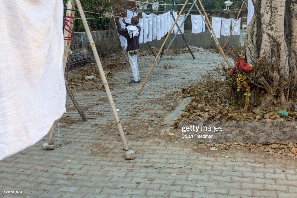 Dhobi Wallahs At Work In New Delhi : News Photo