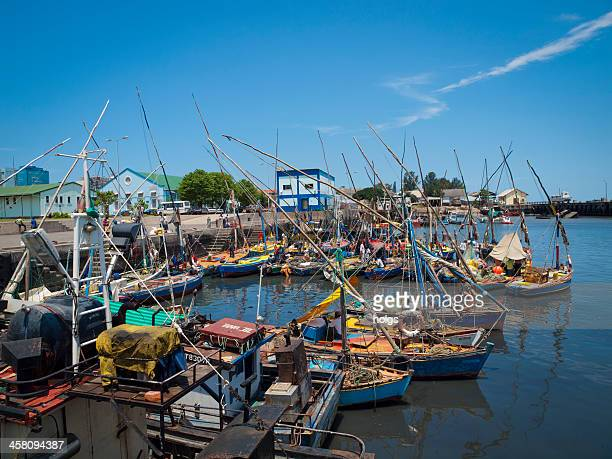 dhows in the harbour of maputo - maputo city stock pictures, royalty-free photos & images