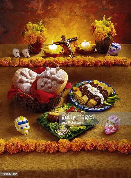 dia de los muertos altar - dia de muertos stock photos and pictures