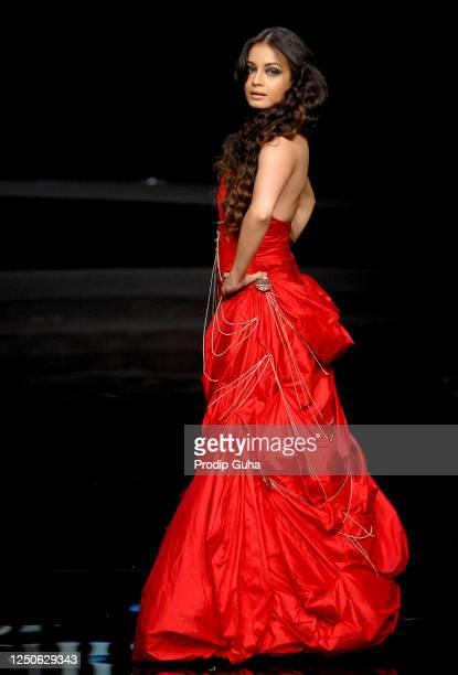 Dia Mirza walks the runway during the Shantanu and Nikhil Chivas Fashion Show on September 28,2008 in Mumbai, India.