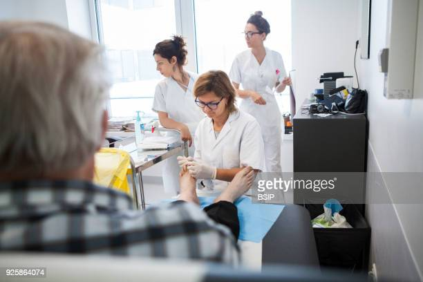 Diabetic feet consultations, Savoie, France, specialized team devoted to treatment and after-care for diabetic patients foot lesions. The chiropodist...