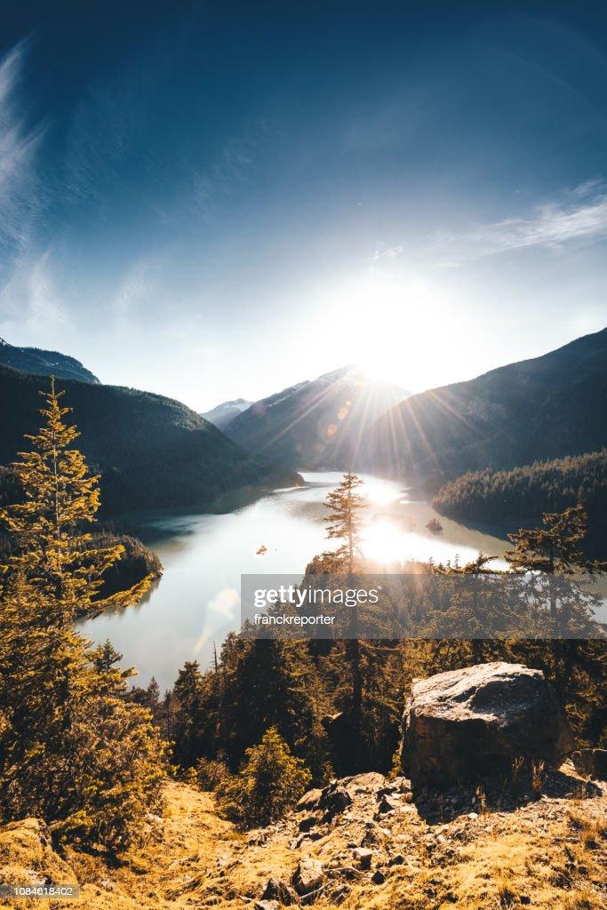 vista para o lago Diablo : Foto de stock