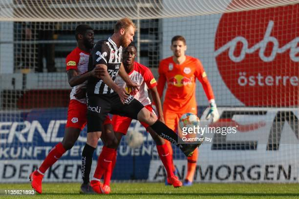 Diadie Samassekou of Salzburg and Klauss of LASK during the tipico Bundesliga match between LASK and RB Salzburg at TGW Arena on April 7 2019 in...