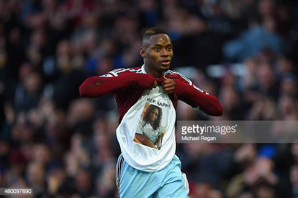 Diafra Sakho of West Ham celebrates scoring their third goal during the Barclays Premier League match between West Ham United and Swansea City at...