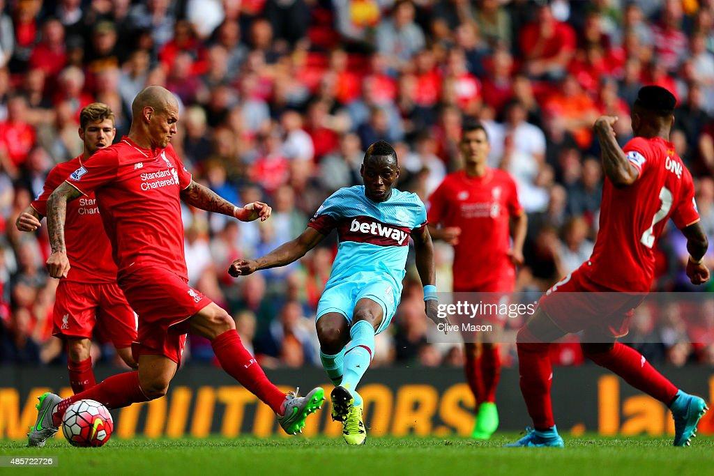 Liverpool v West Ham United - Premier League : Foto jornalística
