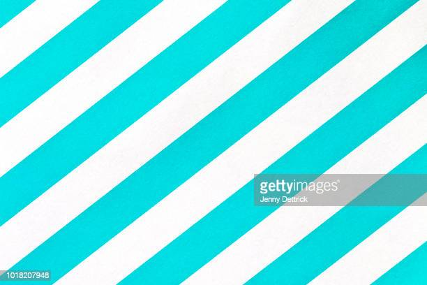 diagonal blue and white stripes - torto imagens e fotografias de stock