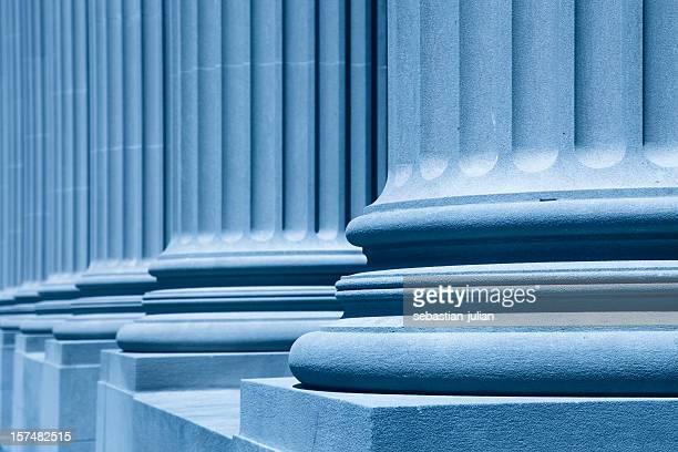 Columnas de negocios azul