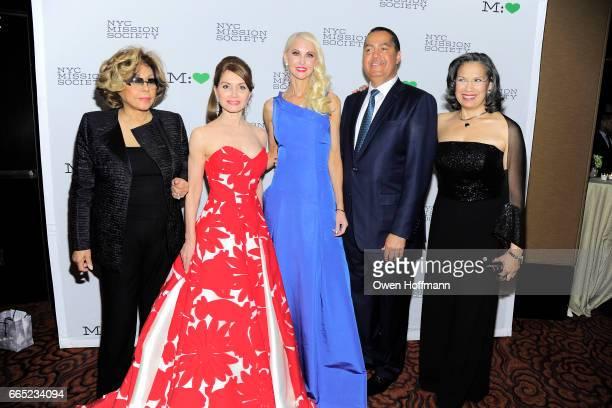 Diahann Carroll Jean Shafiroff Katrina Peebles Don Peebles and Elsie McCabe Thompson attend 2017 Champion For Children Gala at Mandarin Oriental on...