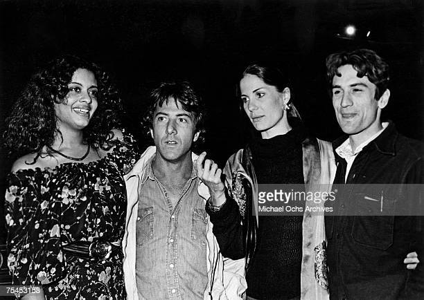 1970s: Diahnne Abbott, Dustin Hoffman, Anne Byrne Hoffman, and Robert De Niro enjoy a night on the town circa the late-1970s in New York, New York.