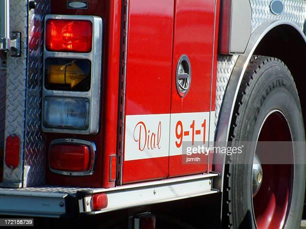 disque 911 - carro de bombeiro - fotografias e filmes do acervo