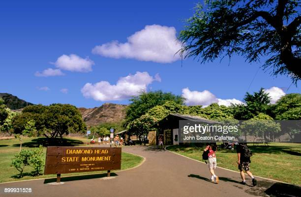 diamond head state monument - diamond head stock pictures, royalty-free photos & images