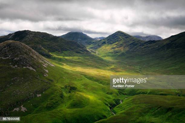diamond hill, panorama on the twelve pins mountain range - republic of ireland stock pictures, royalty-free photos & images