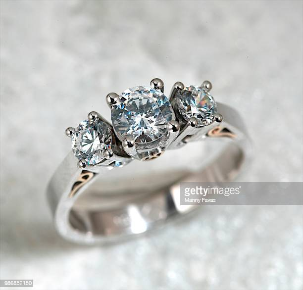 diamond ring - platinum rings stock pictures, royalty-free photos & images