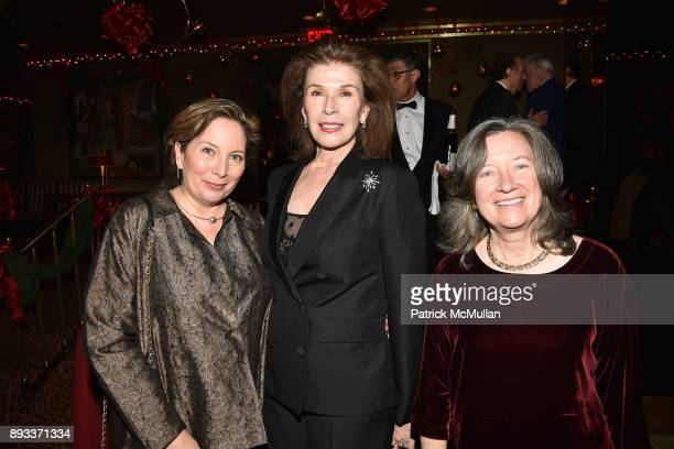 Diana Fisketjon Sara Colleton and Dominique Browning attend A Christmas Cheer Holiday Party 2017 Hosted by George Farias Anne and Jay McInerney at...