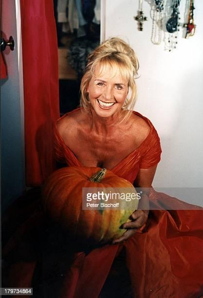 Diana Körner mit Kürbis Kleid