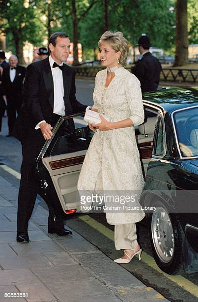 Diana Princess of Wales arrives at the Dorchester Hotel for a dinner in aid of the Shaukat Khanum Memorial Hospital in Pakistan The Princess is...