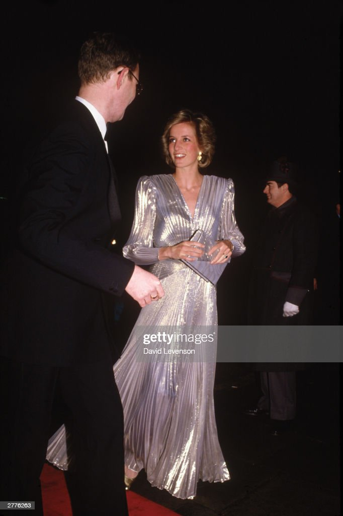 Diana Princess of Wales arrives at the Grosvenor House Hotel in London for a Fashion show : News Photo
