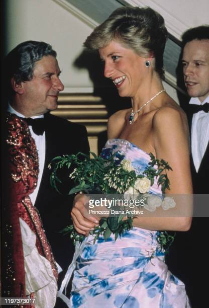 Diana, Princess of Wales arrives at the Royal Opera House in Covent Garden, London for a performance of the ballet 'Romeo and Juliet', January 1989....