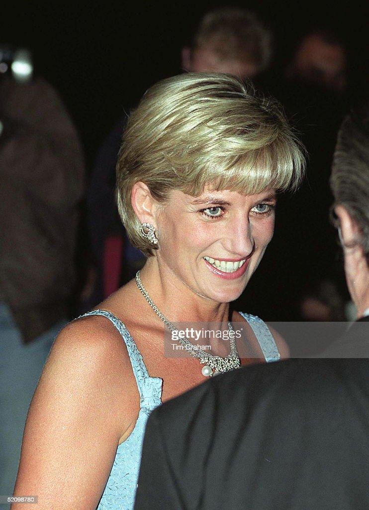 Princess Diana Attending Ballet : News Photo