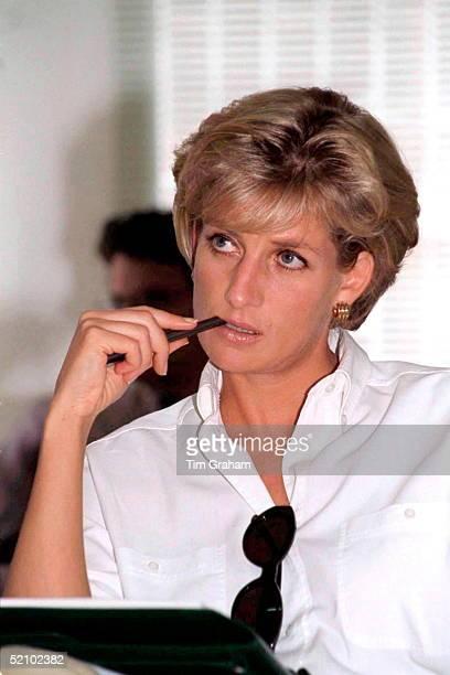 Diana Princess Of Wales At An International Red Cross Briefing In Luanda Angola