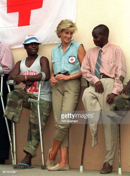 Diana Princess Of Wales At Neves Bendinha an ICRC Orthopaedic Workshop In Luanda Angola