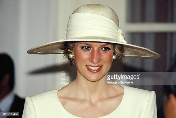 Diana Princess of Wales at the Presidential during the first day of her official visit to Indonesia on November 3 1989 in Jakarta Indonesia The...