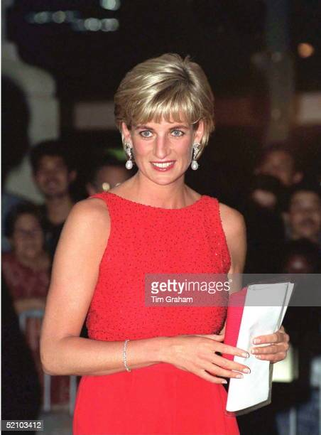 Diana Princess Of Wales Attending A Gala Dinner In Washington Held By The American Red Cross To Raise Funds For Landmine Victims Around The World