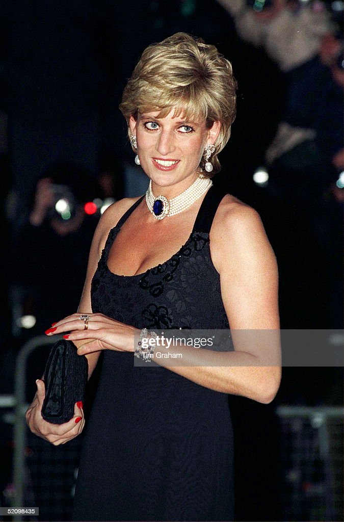 Diana In Jacques Azagury Design : News Photo