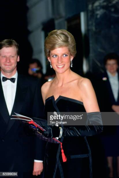 Diana Princess Of Wales Attending The Film Premiere At The Canon Cinema Of dangerous Liaisons In Aid Of The Aids Crisis Trust Charity The Princess Is...