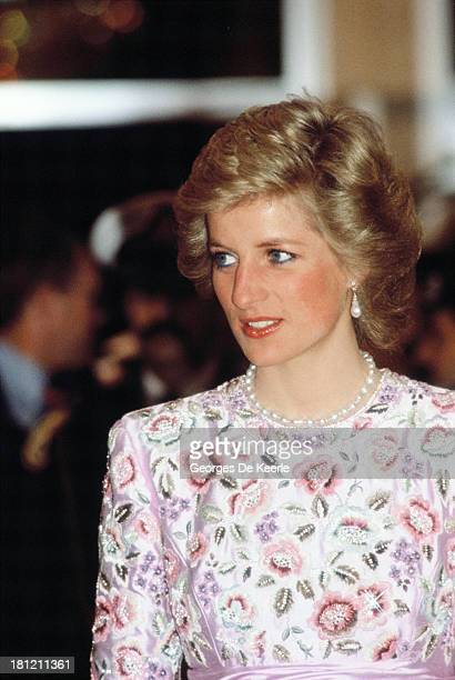 Diana Princess of Wales attends a dinner at the Crown Prince's Palace during her official tour of the Gulf States on March 13 1989 in Kuwait City...