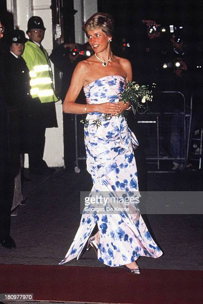 Diana, Princess of Wales, attends a performance of 'Romeo and Juliet' a the Royal Opera House in Covent Garden on January 12, 1989 in London, England.