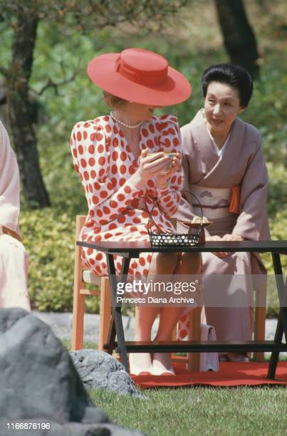 Diana, Princess of Wales attends a traditional Japanese tea ceremony at Nijo Castle in Kyoto, Japan, May 1986.