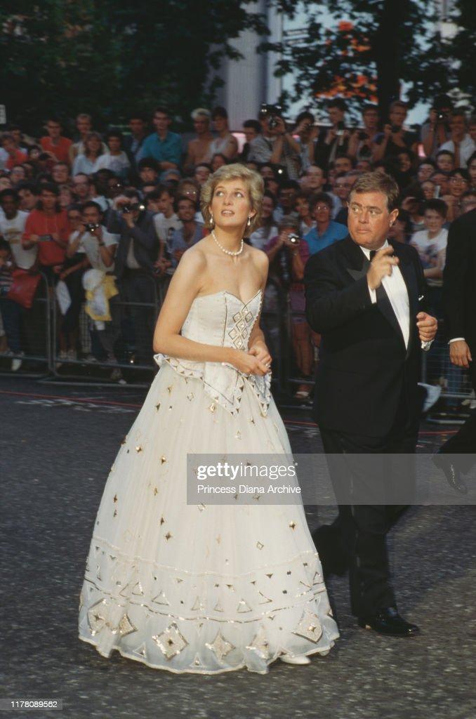 Diana At Bond Premiere : News Photo