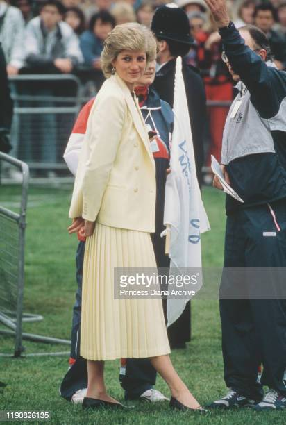 Diana, Princess of Wales attends the start of the London Marathon, 19th April 1988.
