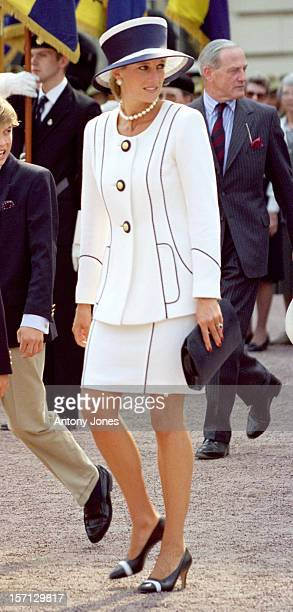 Diana Princess Of Wales Attends The Vj Day 50Th Anniversary Celebrations In London