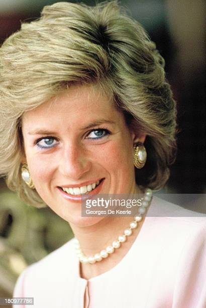 Diana Princess Of Wales during her official tour of the Gulf States on March 15 1989 in Abu Dhabi United Arab Emirates