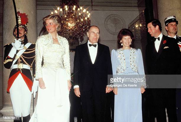 Diana Princess of Wales former French President Francois Mitterrand First Lady Danielle Mitterrand and Charles Prince of Wales attend a banquet...