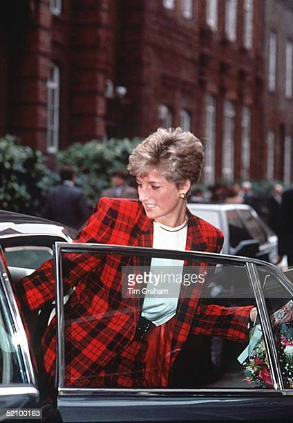 Diana, Princess Of Wales, Getting Into Her Car After Visiting The Guinness Trust Smithfield Project In Manchester.
