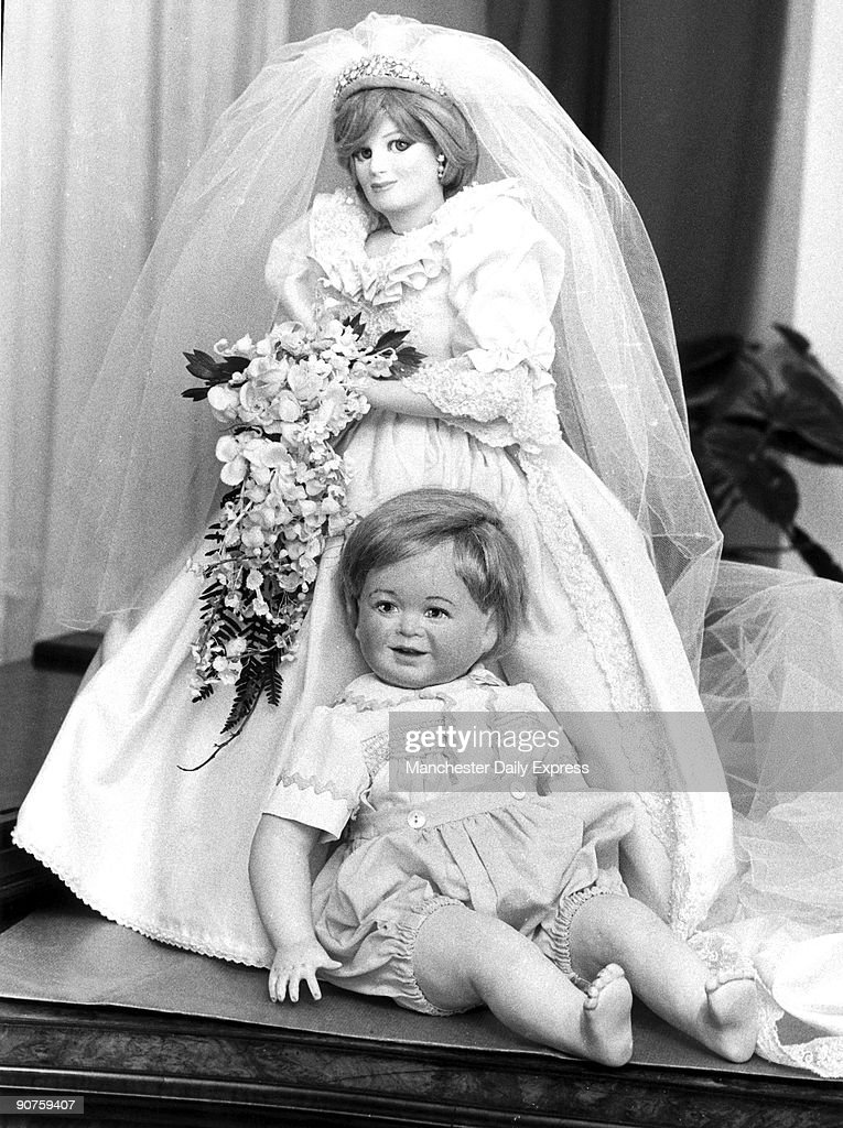 Princess Diana and Prince William dolls, January 1984. Pictures ...