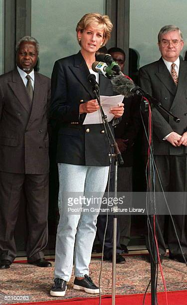 Diana Princess Of Wales Making A Speech On Her Arrival At Luanda Airport Angola On The Start Of Her Four Day Visit To Red Cross Projects In Angola