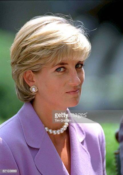 Diana Princess Of Wales Making An Antilandmines Speech At The Red Cross Headquarters In Washington