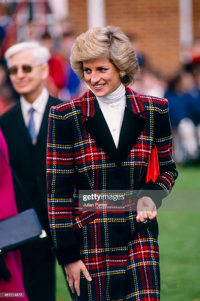 Diana, Princess of Wales on a visit to Portsmouth : News Photo