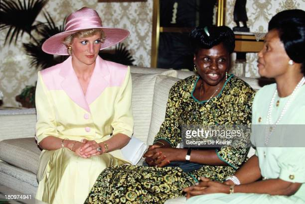 Diana Princess of Wales on a visit to the Yaounde Deaf and Dumb School during her official visit to Cameroon on March 21 1990 in Yaounde Cameroon The...
