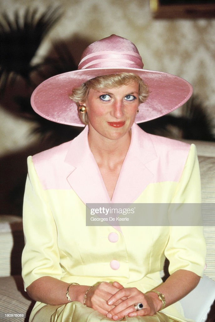 Princess Diana In Cameroon : News Photo
