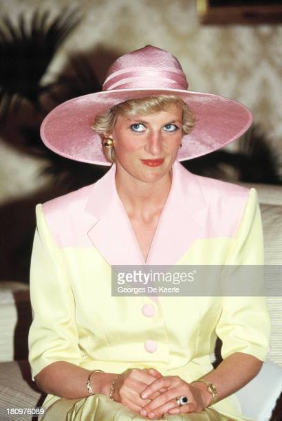Diana, Princess of Wales, on a visit to the Yaounde Deaf and Dumb School during her official visit to Cameroon on March 21, 1990 in Yaounde,...