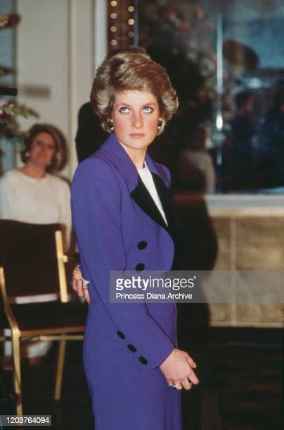 Diana Princess of Wales presents the British Deaf Association's Young Deaf Achievers Awards at the Cafe Royal in London 6th December 1989 She is...