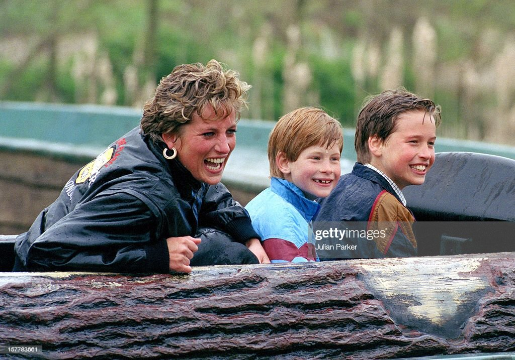 Diana, William & Harry At Thorpe Park : Nachrichtenfoto